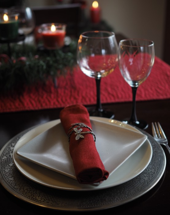 holiday place setting and decor