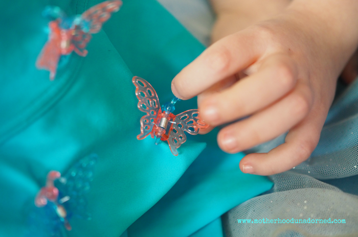 Butterfly clips on Cinderella Easter Basket #disneyeaster #ad