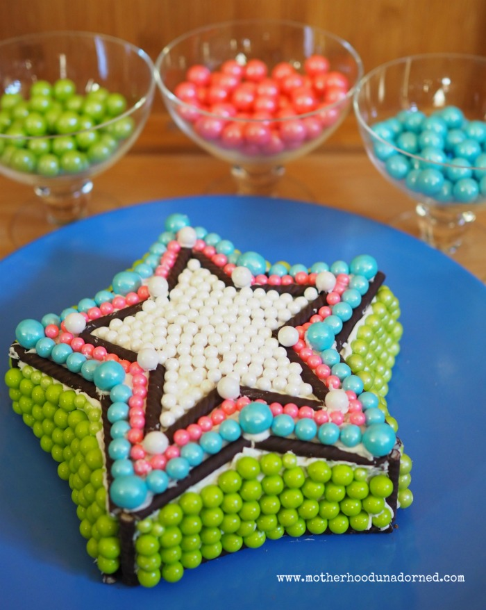 Cake My Day Inspired Star Cake with Sweetworks Candy #CakeMyDay #ad
