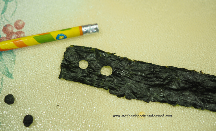 Create Baymax Eyes with Seaweed #BigHero6Release #ad