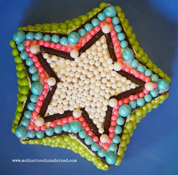 Star Cake Inspired by Cake My Day Book #cakemyday #ad