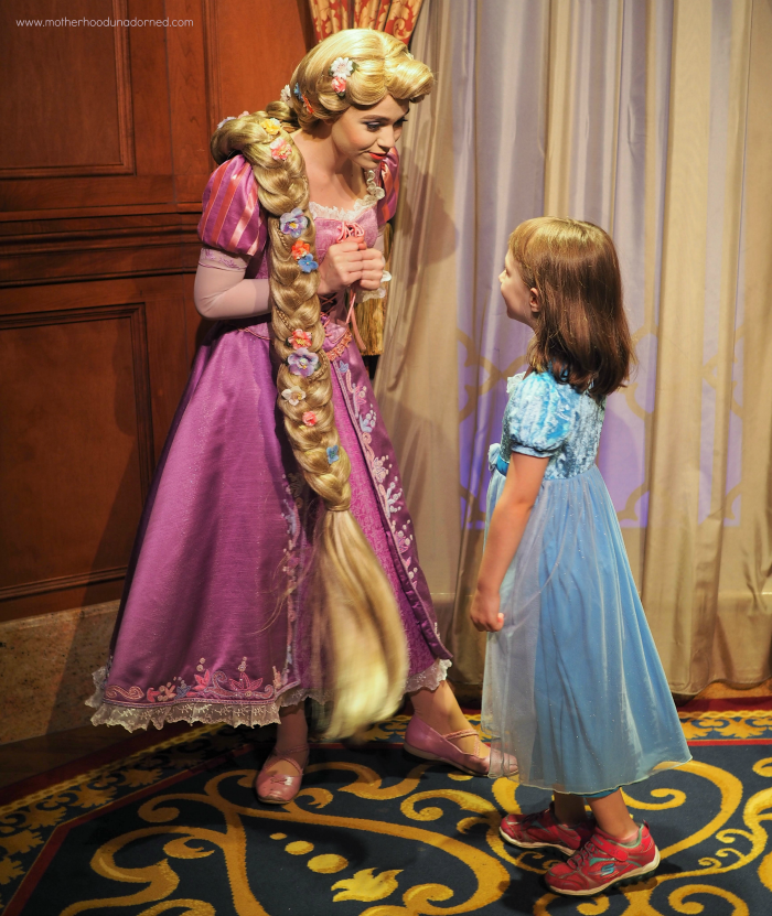 Ellie chatting with Rapunzel Disney World