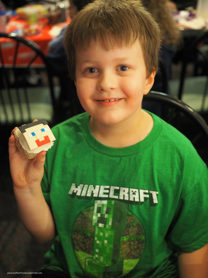Ronin's Minecraft 8th Birthday