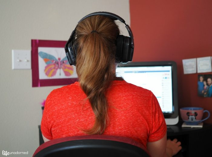 Working-with-headset